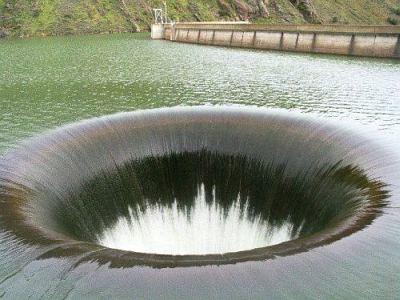 【愛媛】「放水量が増えると知っていたら、もっと早く逃げたのに」 ダムの放水量急増で川が氾濫、逃げ遅れ5人犠牲★8 ->画像>59枚